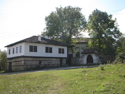 Стара основна школа, с. Видраре, општина Правец - Пројектни Развој туризма - Сурдулица и Правец